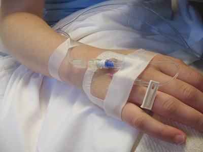 pielęgniarka - kroplówka